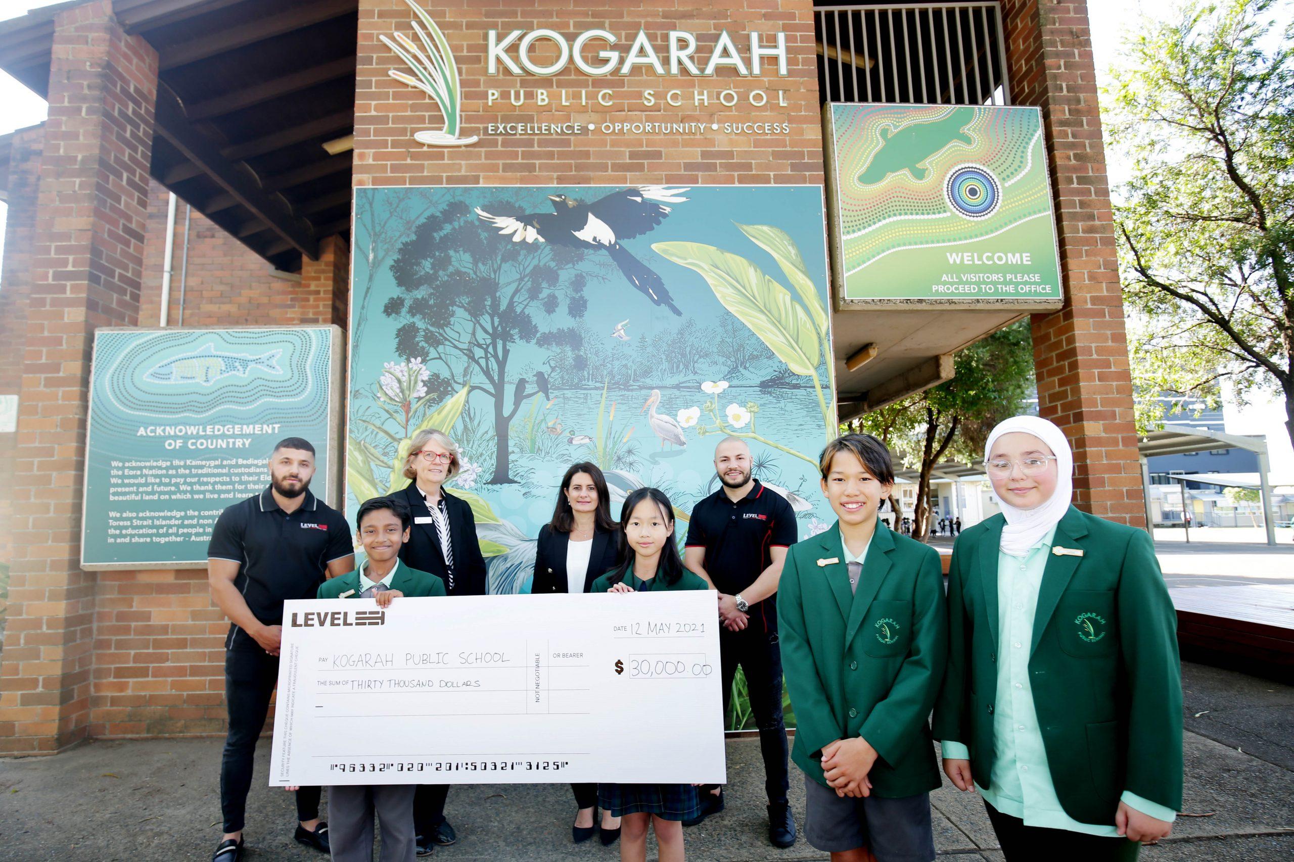 "Level 33 donates $30,000 to  Kogarah <span class=""pt_splitter pt_splitter-1"">Public School in a gesture of goodwill and community spirit</span>"
